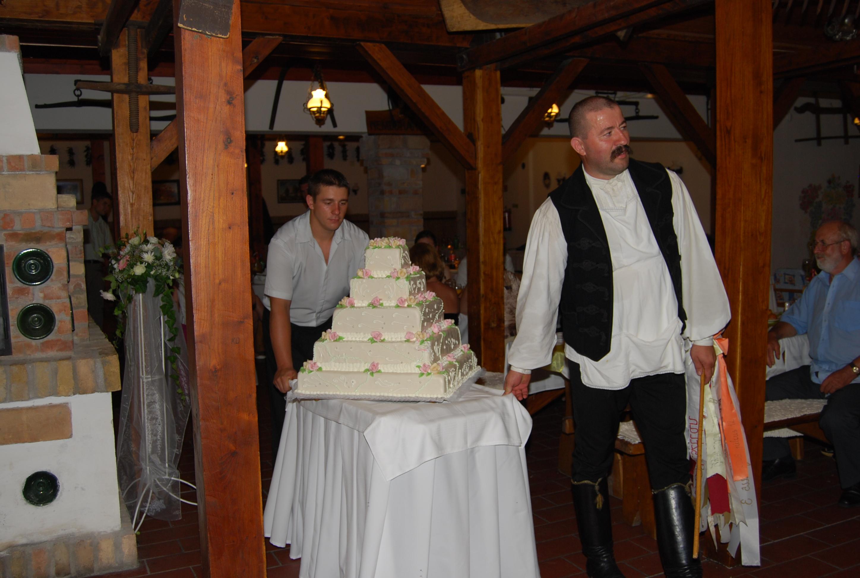 9297e5e79d Menyasszonyi torta   Géber József a csanaki Vőfély , szószóló főleg ...